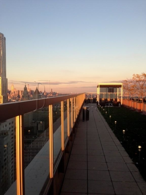 2 Bedrooms, Financial District Rental in NYC for $5,670 - Photo 2