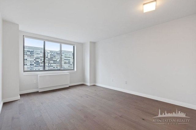3 Bedrooms, Kips Bay Rental in NYC for $6,595 - Photo 2
