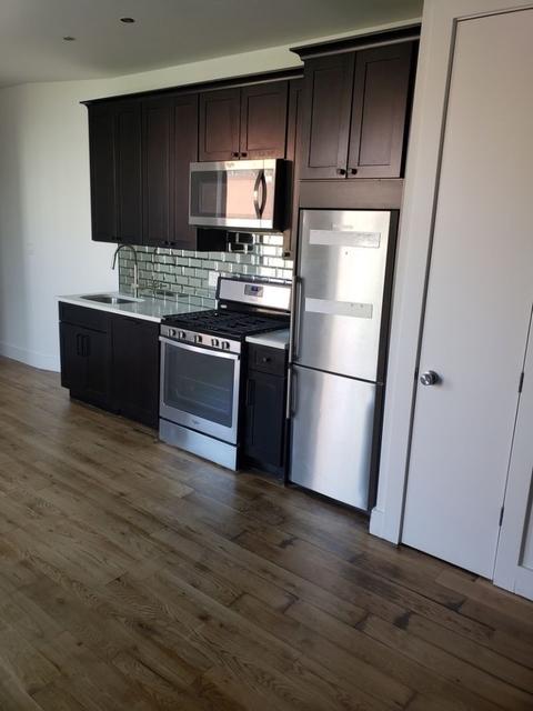 3 Bedrooms, Mott Haven Rental in NYC for $3,000 - Photo 2