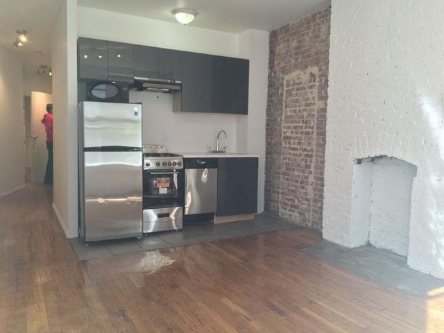 2 Bedrooms, Hell's Kitchen Rental in NYC for $2,890 - Photo 2