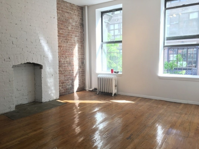 2 Bedrooms, Hell's Kitchen Rental in NYC for $2,890 - Photo 1