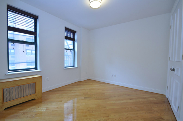 3 Bedrooms, Upper East Side Rental in NYC for $5,995 - Photo 2
