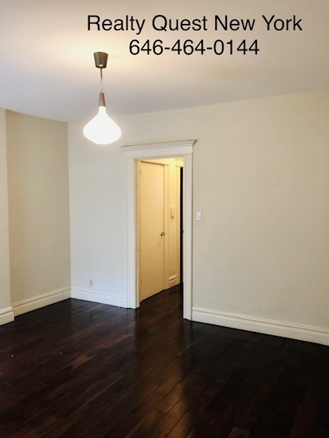 3 Bedrooms, Astoria Rental in NYC for $3,100 - Photo 1