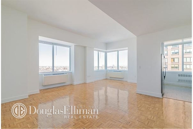 3 Bedrooms, Lincoln Square Rental in NYC for $10,590 - Photo 1
