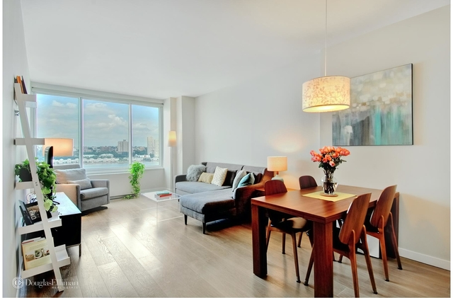 2 Bedrooms, Lincoln Square Rental in NYC for $6,400 - Photo 1