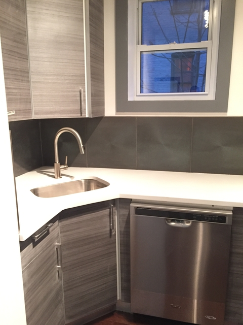 2 Bedrooms, Caton Park Rental in NYC for $2,199 - Photo 2