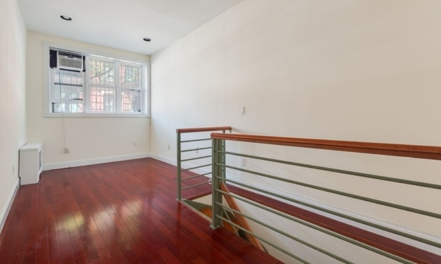 2 Bedrooms, West Village Rental in NYC for $3,300 - Photo 1