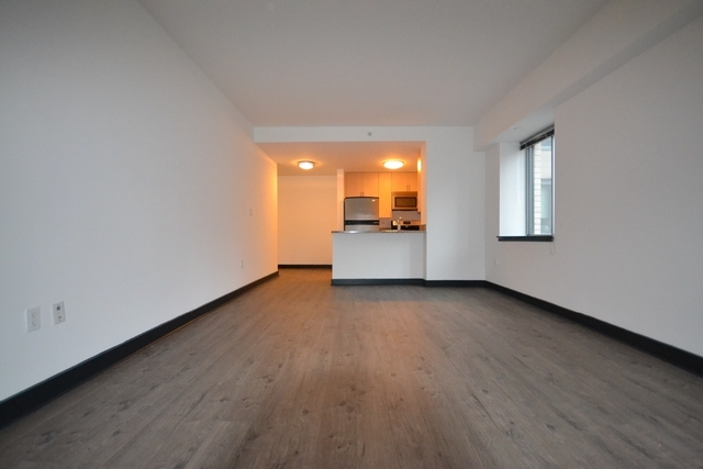 2 Bedrooms, Jamaica Rental in NYC for $2,567 - Photo 2