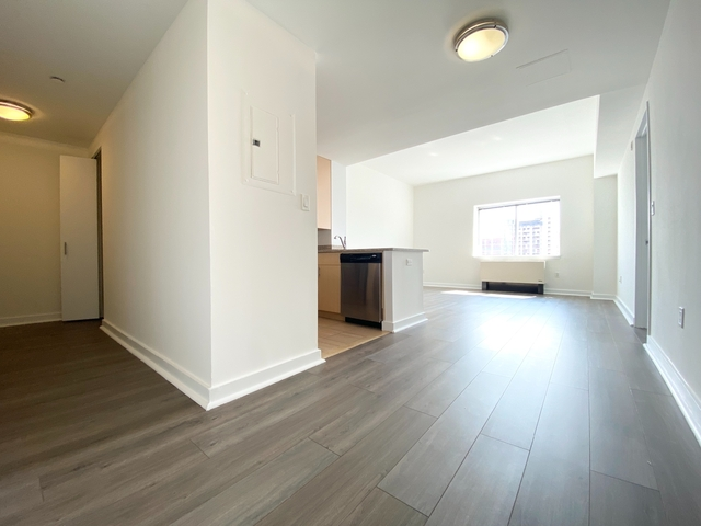 2 Bedrooms, Jamaica Rental in NYC for $2,588 - Photo 1