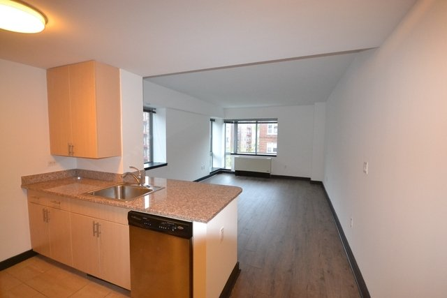 2 Bedrooms, Jamaica Rental in NYC for $2,338 - Photo 1
