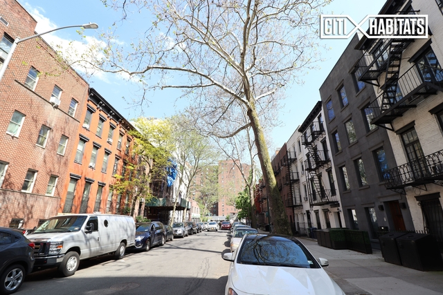 2 Bedrooms, Chelsea Rental in NYC for $2,865 - Photo 1