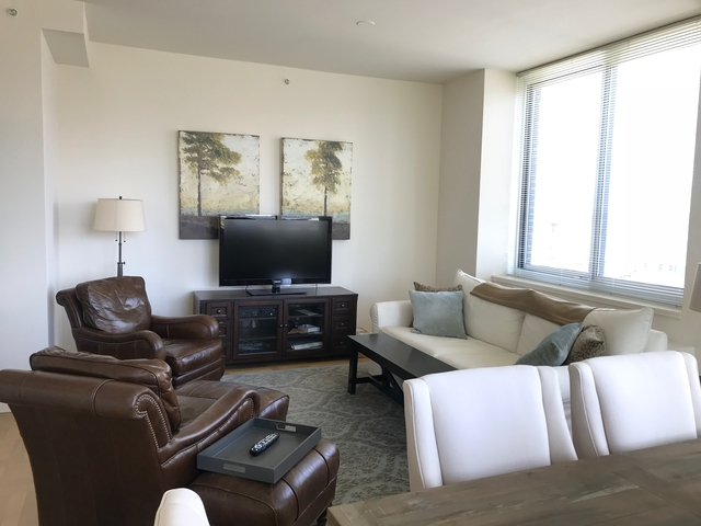 2 Bedrooms, Lincoln Square Rental in NYC for $8,295 - Photo 2