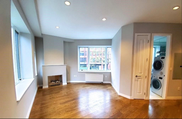 3 Bedrooms, West Village Rental in NYC for $13,800 - Photo 2