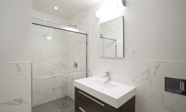 2 Bedrooms, Upper East Side Rental in NYC for $7,494 - Photo 2