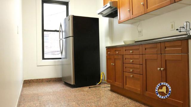 2 Bedrooms, Astoria Rental in NYC for $2,900 - Photo 2