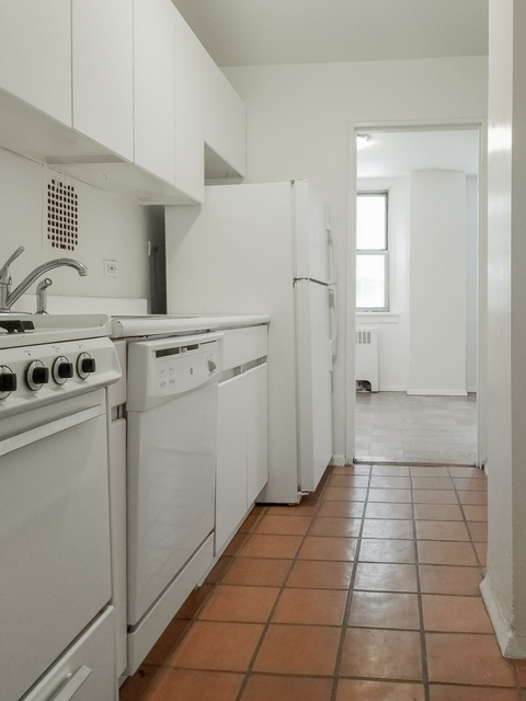 2 Bedrooms, Murray Hill Rental in NYC for $3,975 - Photo 2