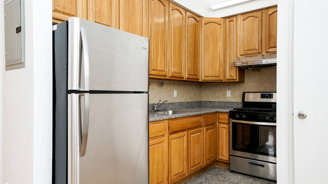 3 Bedrooms, Bushwick Rental in NYC for $3,050 - Photo 2