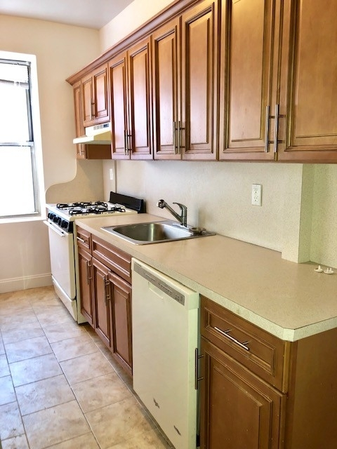 2 Bedrooms, Bay Ridge Rental in NYC for $2,995 - Photo 1