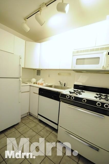 2 Bedrooms, Murray Hill Rental in NYC for $3,775 - Photo 1