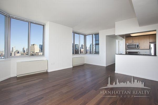 1 Bedroom, Hell's Kitchen Rental in NYC for $3,583 - Photo 2