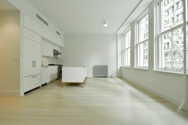 2 Bedrooms Soho Rental In Nyc For 8 000 Photo 1