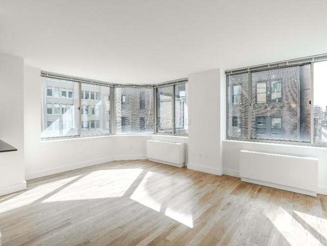 2 Bedrooms, Chelsea Rental in NYC for $6,500 - Photo 1