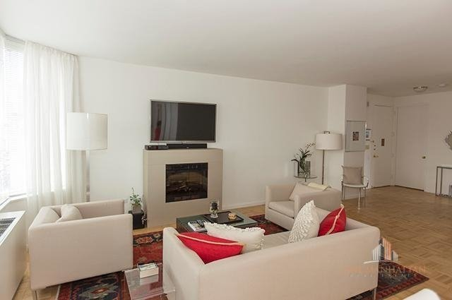 2 Bedrooms, Upper East Side Rental in NYC for $4,500 - Photo 1