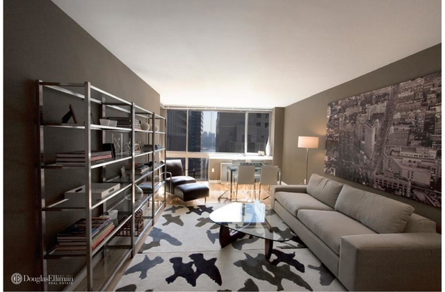 Studio, Financial District Rental in NYC for $6,995 - Photo 1