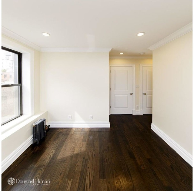 3 Bedrooms, Gramercy Park Rental in NYC for $6,100 - Photo 2