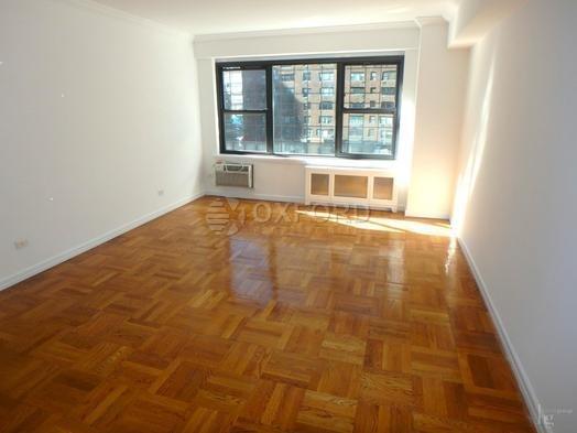 2 Bedrooms, Midtown East Rental in NYC for $5,700 - Photo 2