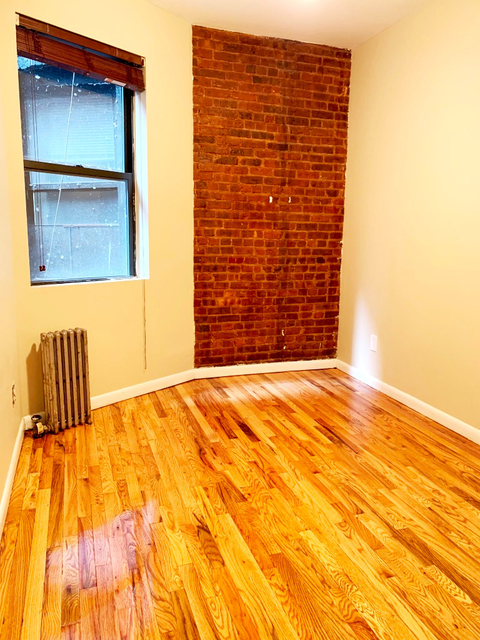 2 Bedrooms, Hell's Kitchen Rental in NYC for $3,250 - Photo 2