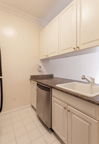 1 Bedroom, Upper East Side Rental in NYC for $4,125 - Photo 2