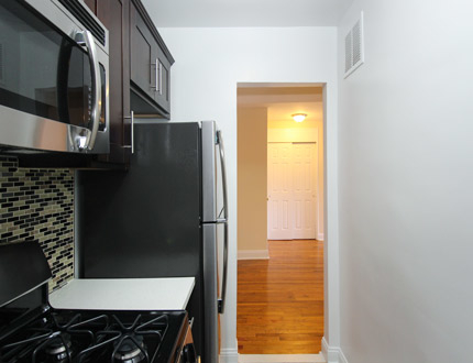 1 Bedroom, Flushing Rental in NYC for $1,955 - Photo 2