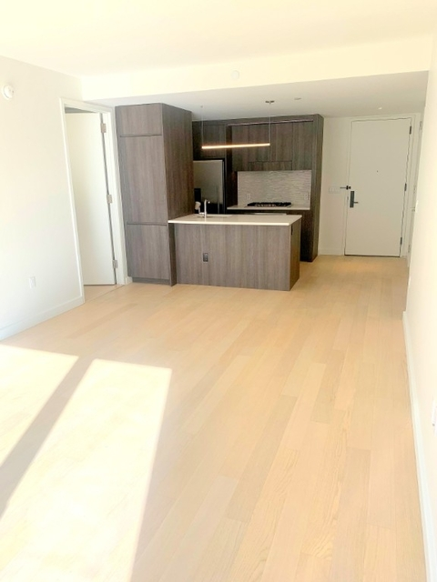 1 Bedroom, Hell's Kitchen Rental in NYC for $3,590 - Photo 2