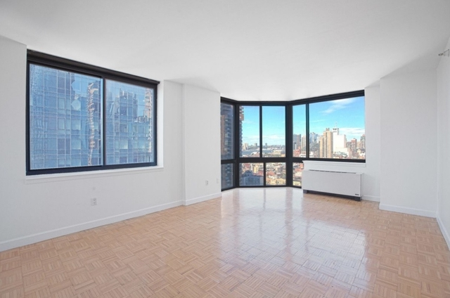 2 Bedrooms, Hell's Kitchen Rental in NYC for $4,989 - Photo 1