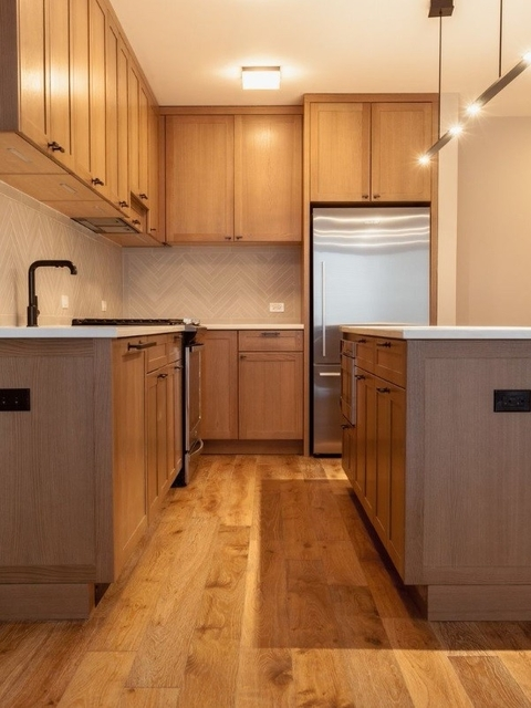 2 Bedrooms, Hell's Kitchen Rental in NYC for $4,100 - Photo 2