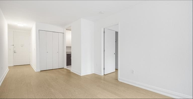 3 Bedrooms, NoMad Rental in NYC for $5,000 - Photo 2