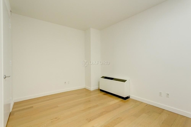 2 Bedrooms, Financial District Rental in NYC for $6,195 - Photo 2