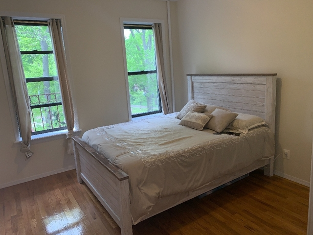 2 Bedrooms, Ditmars Rental in NYC for $2,100 - Photo 1