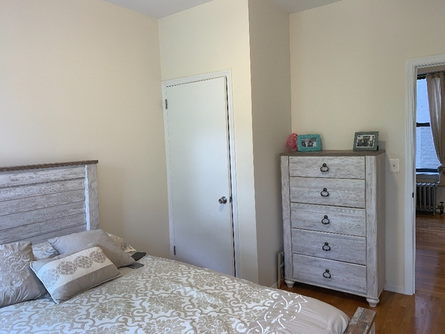 2 Bedrooms, Ditmars Rental in NYC for $2,100 - Photo 2