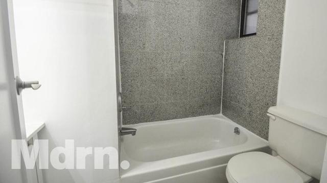 2 Bedrooms, Midtown East Rental in NYC for $2,900 - Photo 2