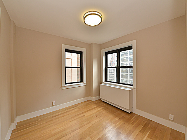 4 Bedrooms, Turtle Bay Rental in NYC for $8,550 - Photo 2