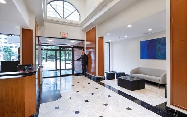 3 Bedrooms, Newport Rental in NYC for $3,880 - Photo 1