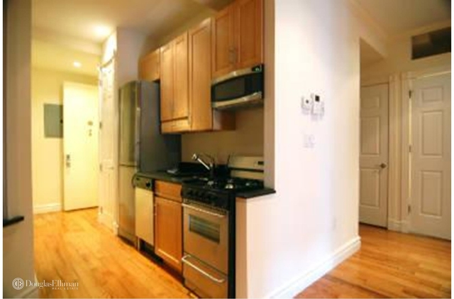 4 Bedrooms, Hell's Kitchen Rental in NYC for $6,695 - Photo 2