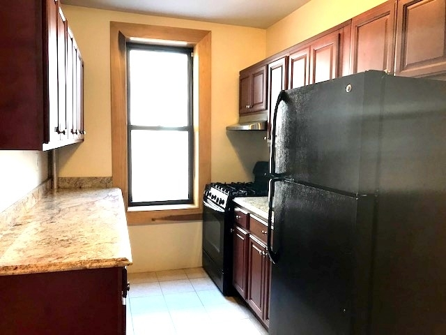 2 Bedrooms, Caton Park Rental in NYC for $2,200 - Photo 2