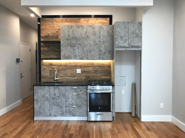 Room, Crown Heights Rental in NYC for $1,400 - Photo 1