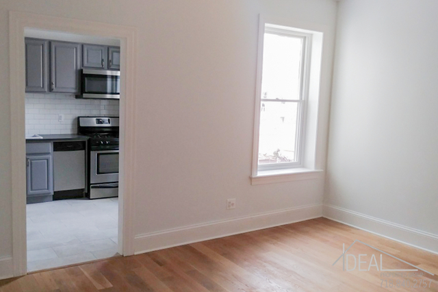 4 Bedrooms, Dyker Heights Rental in NYC for $3,000 - Photo 2