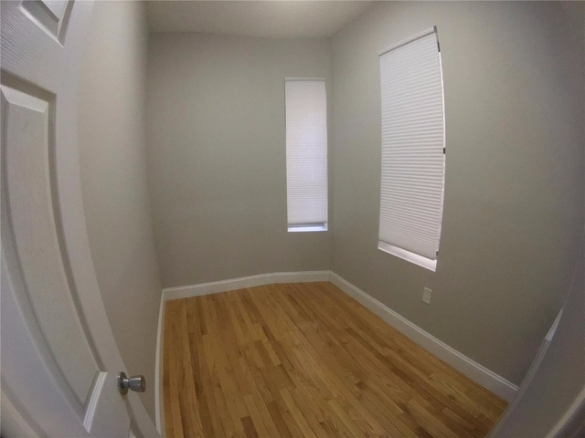 2 Bedrooms, Alphabet City Rental in NYC for $2,425 - Photo 1