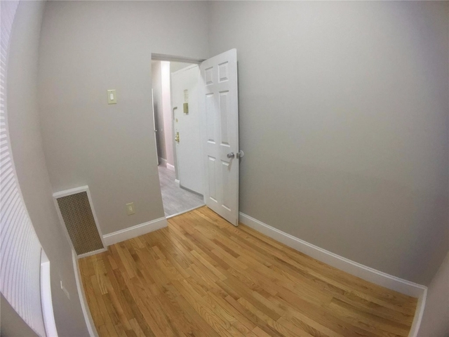 2 Bedrooms, Alphabet City Rental in NYC for $2,425 - Photo 2