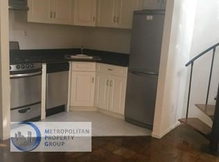 3 Bedrooms, Gramercy Park Rental in NYC for $5,895 - Photo 2